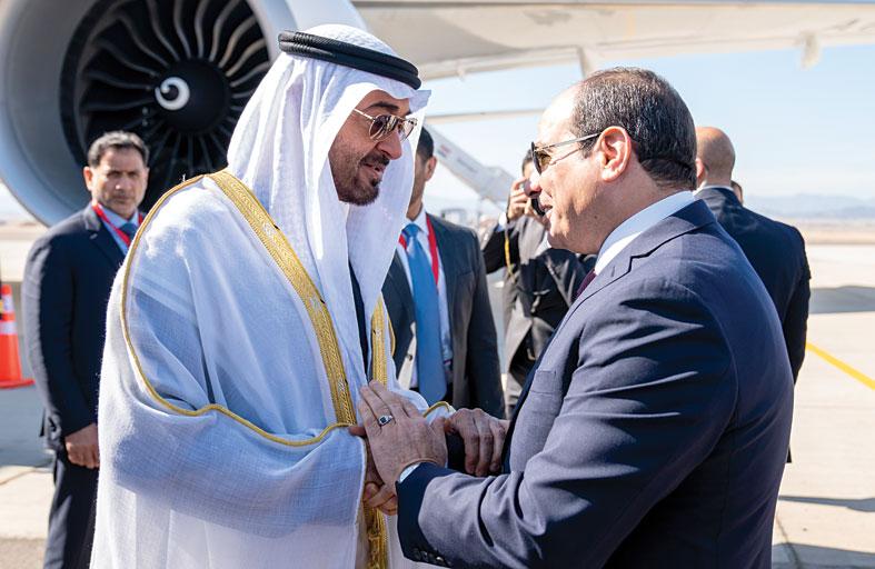 محمد بن زايد : القوات المسلحة المصرية حصن وقوة لكل العالم العربي