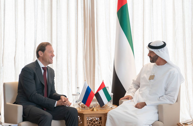 محمد بن زايد يستقبل عددا من المسؤولين المشاركين في معرض دبي الدولي للطيران 2019