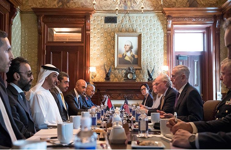 محمد بن زايد وترامب يؤكدان حرص البلدين على مواصلة تعزيز وتطوير علاقات التعاون الوثيقة