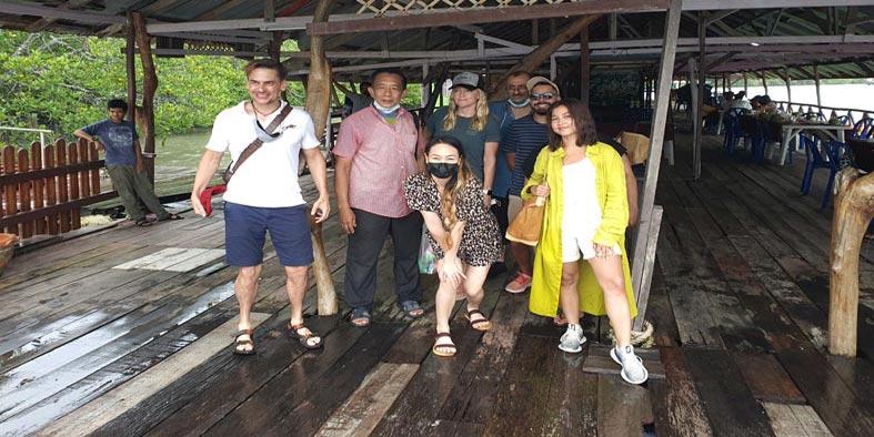 الابتسامة الدافئة والترحيب بالضيوف مفتاح الشخصية التايلاندية