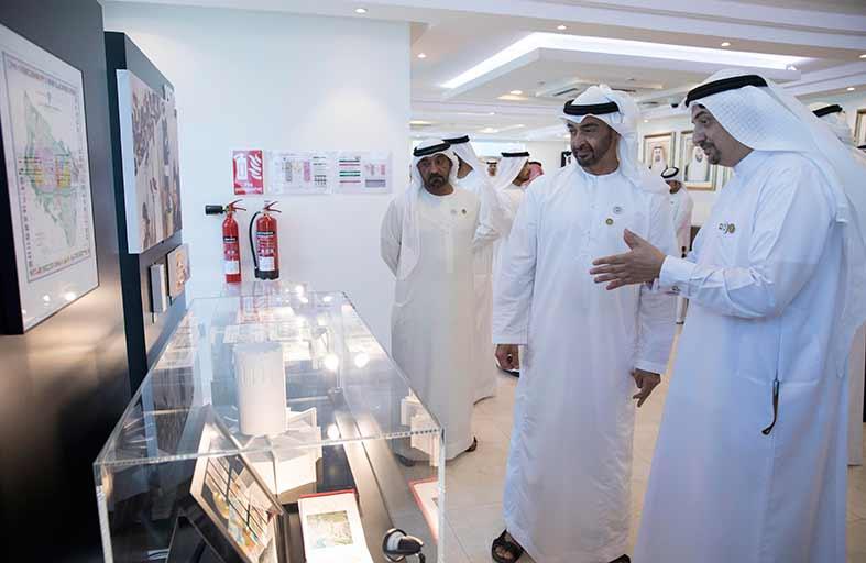 محمد بن زايد: الأيادي الإماراتية الشابة تضع بصمة سيسجلها التاريخ