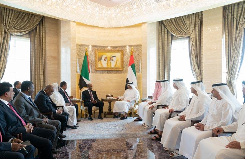 محمد بن زايد يؤكد وقوف الإمارات إلى جانب السودان ودعمها كل ما يحقق أمنه ووحدته