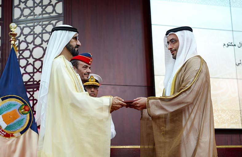 محمد بن راشد يرعى حفل تخريج الدورة الخامسة في كلية الدفاع الوطني