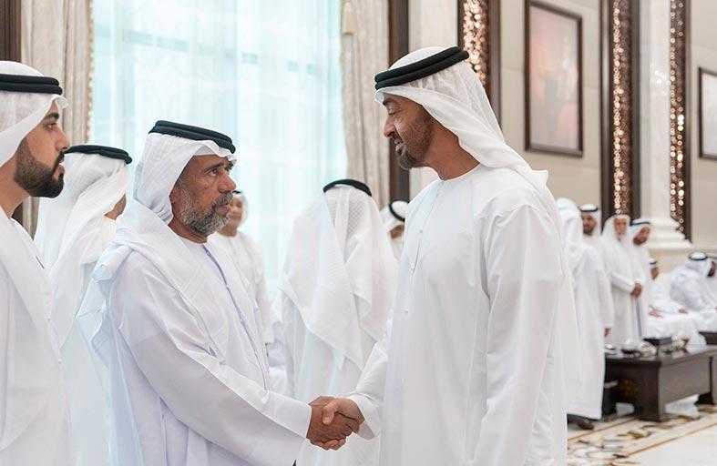 محمد بن زايد يستقبل جموع المواطنين المهنئين بشهر رمضان المبارك