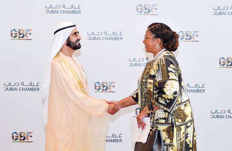 محمد بن راشد يستقبل رئيس زيمبابوي وعددا من المسؤولين على هامش المنتدى الأفريقي للأعمال