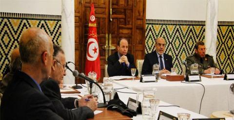 تونس : مجلس حكماء يستثني المرأة..!