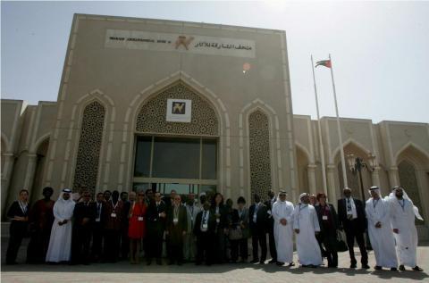 الدبلوماسيون المقيمون في الدولة يزورون متحف الشارقة للآثار