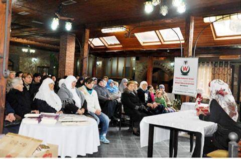 جمعية المرأة الثقافية في ألبانيا تنظم ندوات حوارية بين الأجيال