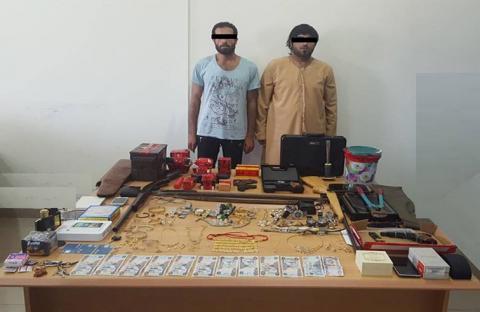 شرطة الفجيرة تلقي القبض على سارقي الفلل