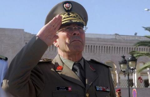 تونس : ماذا وراء ترجّل الجنرال ورسائله المشفّرة؟