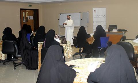 لقاءان مفتوحان لمواصلات الإمارات مع أولياء الأمور ومشرفات الحافلات المدرسية بأبوظبي