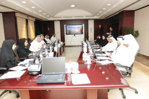 بلدية مدينة أبوظبي ودائرة الأراضي والأملاك برأس الخيمة يبحثان سبل تعزيز علاقات التعاون المشترك