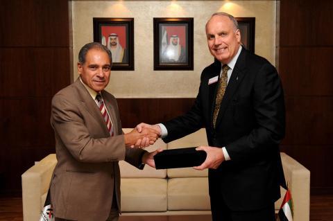 جامعة أبوظبي توقع اتفاقية صداقة مع جامعة تامبا بالولايات المتحدة الأمريكية