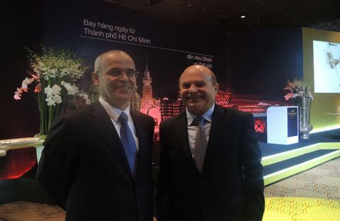 سفيرا الإمارات وفيتنام: خط الاتحاد للطيران يخدم العلاقات الاقتصادية بين البلدين