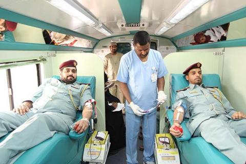 شرطة عجمان تنظم حملة للتبرع بالدم لصالح ضحايا الحوادث المرورية
