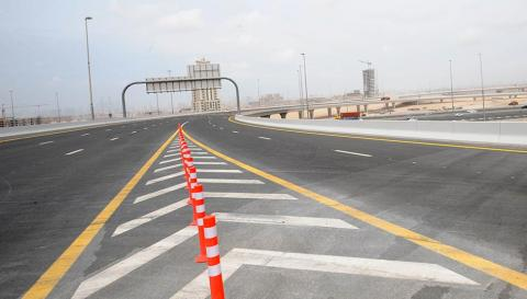 طرق دبي تفتتح التقاطع العلوي المجسر الذى يربط شارعي حصة والخيل ومنطقة البرشاء بشارع الشيخ محمد بن زايد