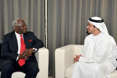 عبدالله بن زايد يستقبل رئيس سيراليون