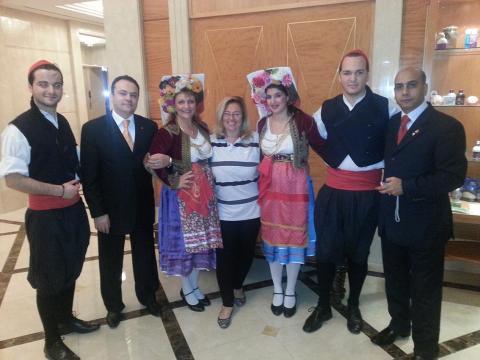 فرقة كارياتيدس من جزيرة كورفو في فندق ميلينيوم أبوظبي
