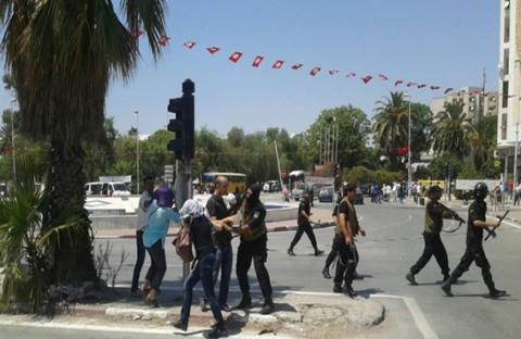 احتجاجات مطالبة بحل التأسيسي وإسقاط الحكومة وأخرى تنادي باحترام الشرعية