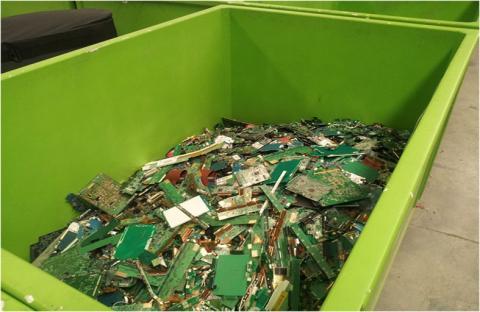 النفايات الإلكترونية خطر يدمر الكون