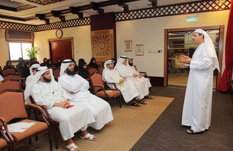 محاكم دبي تبدأ تدريب طلاب الصيفي لعام 2013