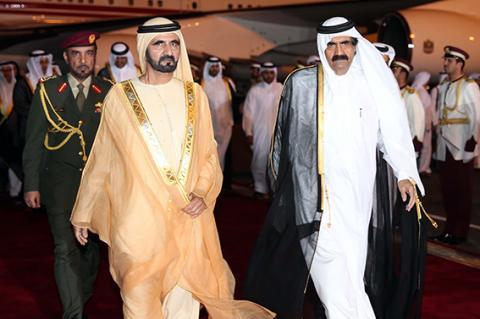 محمد بن راشد يستعرض مع أمير قطر جدول أعمال القمة