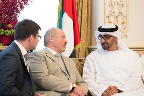 محمد بن زايد يبحث مع رئيس بيلاروسيا العلاقات الثنائية وآخر التطورات في المنطقة والعالم