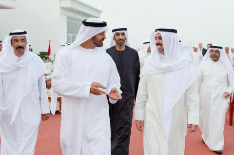 محمد بن زايد يستقبل رئيس مجلس الأمة الكويتي