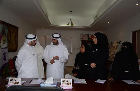 مدير عام هيئة الصحة بدبي  يتفقد جمعية الإمارات لمتلازمة داون