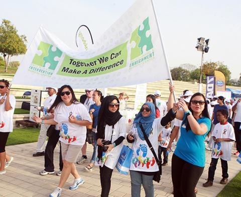 مشاركة كبيرة في مسيرة من أجل اضطراب التوحد في دبي