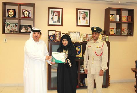 مكافحة مخدرات شرطة دبي تضيف لغة الإشارة لفعالياتها
