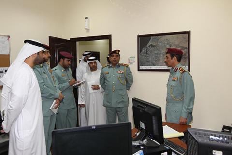 نائب قائد عام شرطة عجمان يتفقد إدارة التحريات والمباحث الجنائية