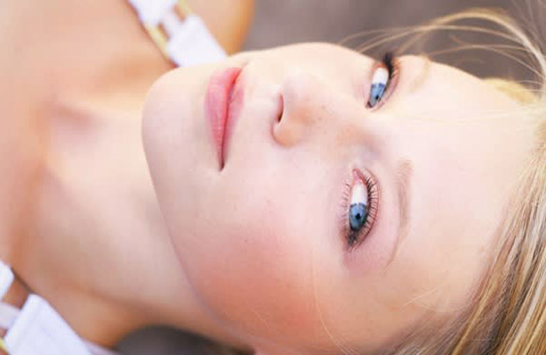 أفضل طرق علاج البشرة الحساسة والوردية