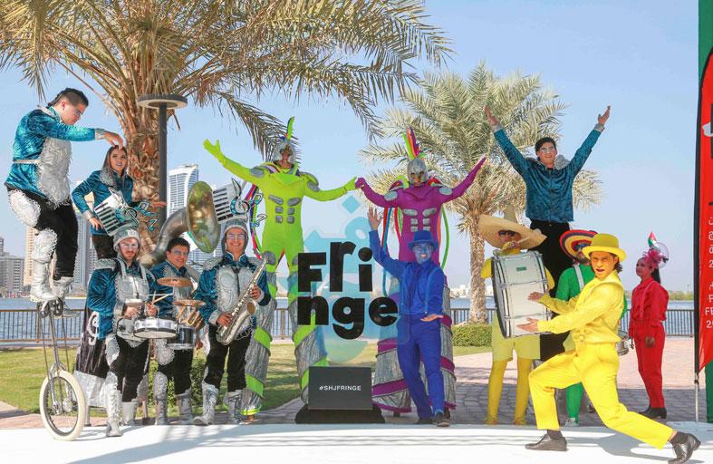 «مهرجان فرنج الشارقة» يحول الإمارة إلى كرنفال للمسرح والموسيقى والعروض البهلوانية