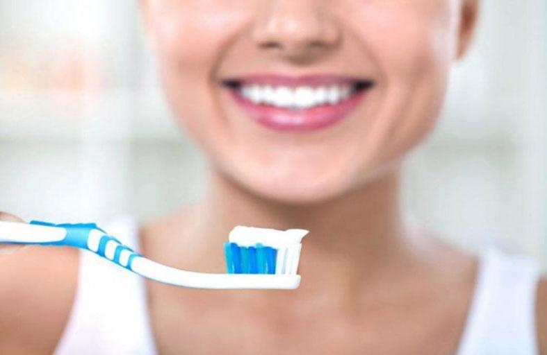تنظيف الأسنان بالفرشاة يحمي من قصور القلب!