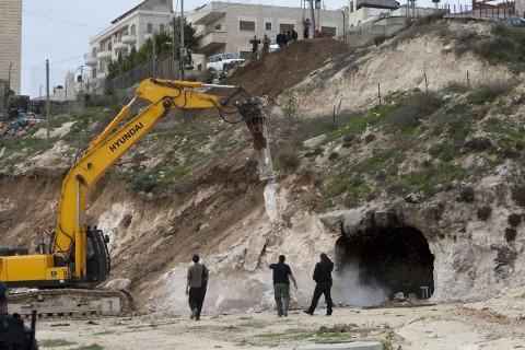 الاحتلال يكثف التطهير العرقي ضد الفلسطينيين