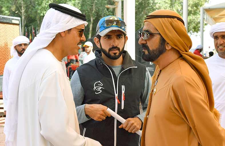 محمد بن راشد يشهد سباق كأس رئيس الدولة للقدرة بالوثبة في أبوظبي