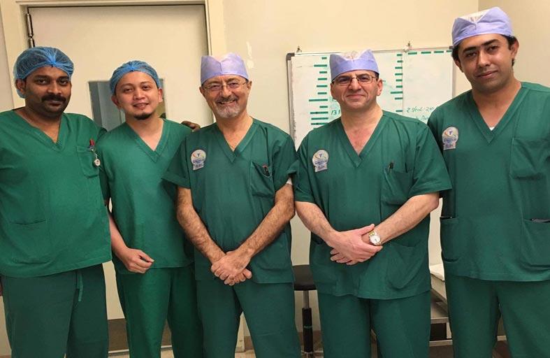 جراحة دقيقة لإزالة حصوات من كلية مريضة برازيلية في السعودي الألماني دبي
