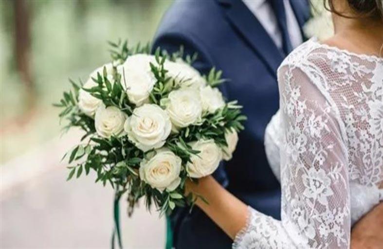 خبراء يحددون العمر المثالي للزواج