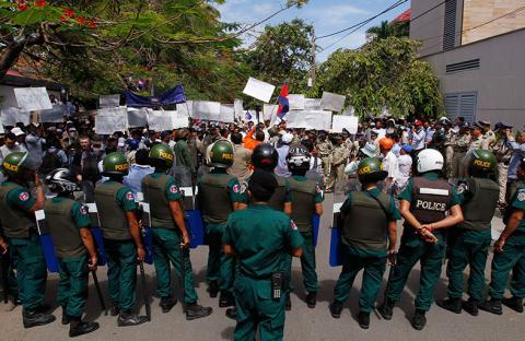 اشتباكات بين الشرطة ومتظاهرين في كمبوديا