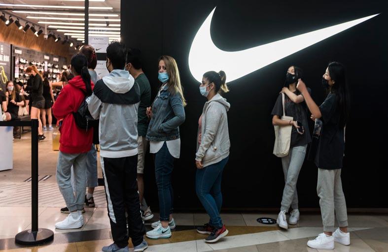 الجائحة تضرب ماركات الملابس العالمية