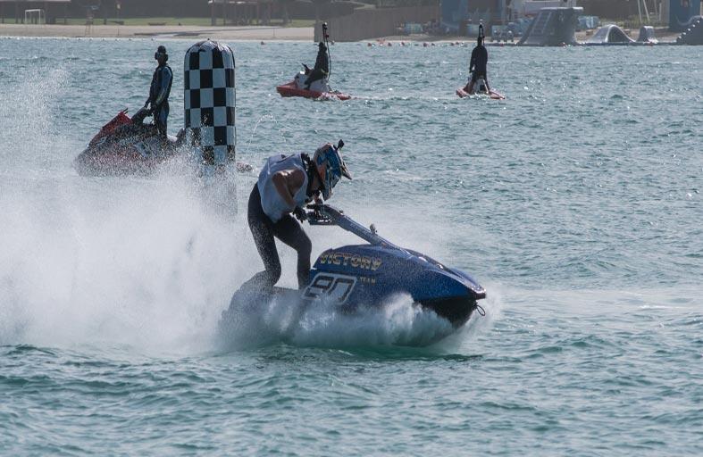 الفيكتوري يستعد للمشاركة في الجولة الرابعة من بطولة الإمارات للدراجات المائية