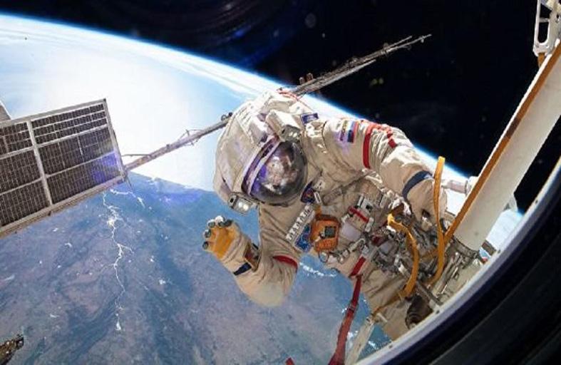 كيف تؤثر الأشعة الكونية في ذكاء رواد الفضاء؟