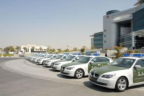 شرطة دبي والمجلس التنفيذي يبحثان سبل تنفيذ خطط السلامة المرورية