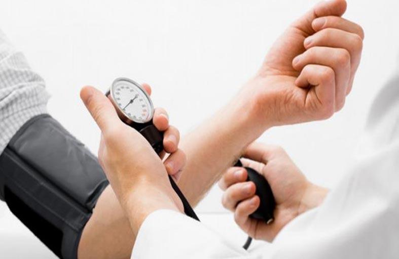 ثماني طرق بسيطة لتخفيض مستوى ضغط الدم