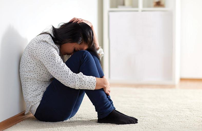 الاعتداء العاطفي والجسدي يفاقم حدة أعراض سن اليأس