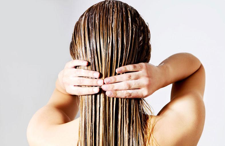 ماسك ترطيب بمكونات طبيعية لتحافظي على تألق شعرك