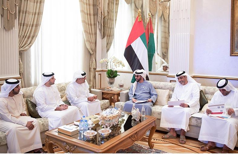 حمدان بن زايد يطلع على خطط وبرامج شركة «صحة» ومجلس أبوظبي الرياضي في منطقة الظفرة