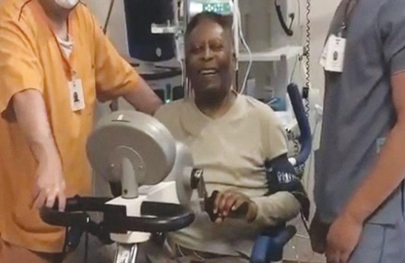 بيليه يمارس التمارين ويأمل في مغادرة المستشفى قريباً