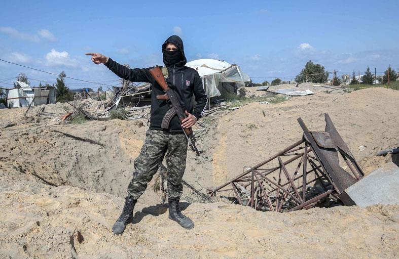 تلويح إسرائيلي بإعادة احتلال قطاع غزة